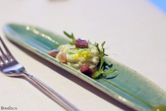 Ensaladilla con sardinas y flores comestibles de la Sierra