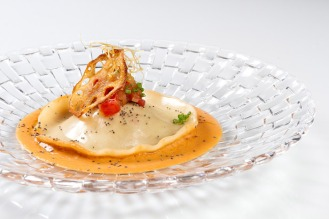 ravioli de centollo y pepitoria de gambas kitchen club